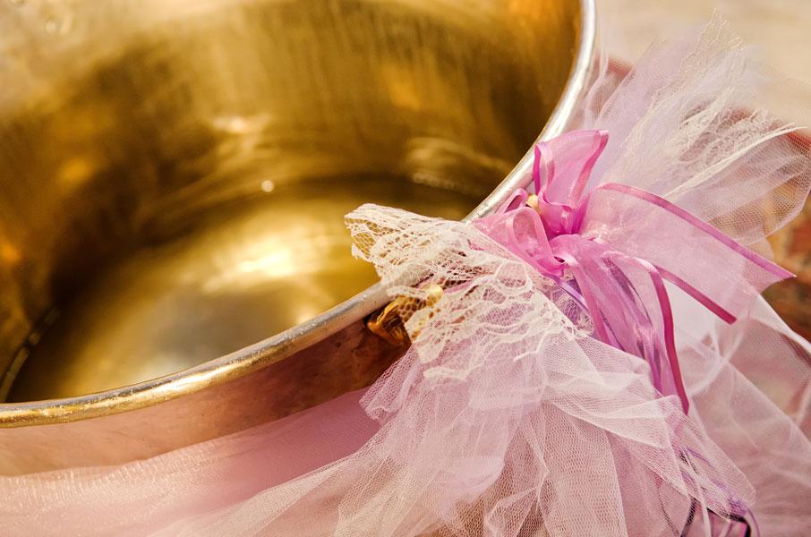 Φωτογράφιση βάπτισης Λάρισα κολυμπήθρα